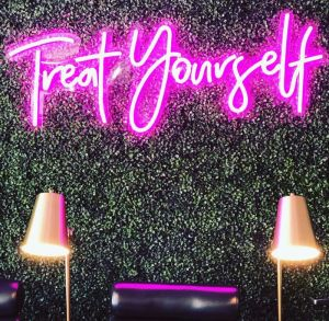 * Treat Yourself * is an awesome neon sign for nail bars, hairdressers, spas & home decor. - photo from CustomNeon.com